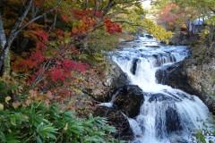 美しい3ヶ所の滝と紅葉 洞爺湖周辺